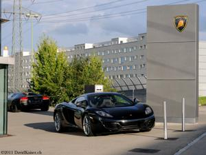 th_245264192_McLarenMp412C_SchmohlAG_Zuerich_7269_122_246lo.jpg
