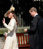 th_49685_celebrity_paradise.com_The_Duchess_of_Cambridge_Zara_wedding_036_122_350lo.jpg