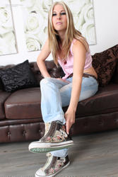 Youn stinky pantyhose feet and soles 3