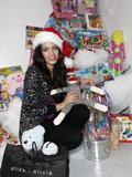 http://img246.imagevenue.com/loc541/th_01421_Jenna_Dewan_at_the_Alice__O_livia_toy_drive_to_benefit1_122_541lo.jpg