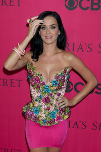 Katy Perry big tits cleavage Victoria Secret fashion show