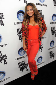 http://img246.imagevenue.com/loc596/th_310325584_ChristinaMilian_JustDance4Launch_8_122_596lo.jpg